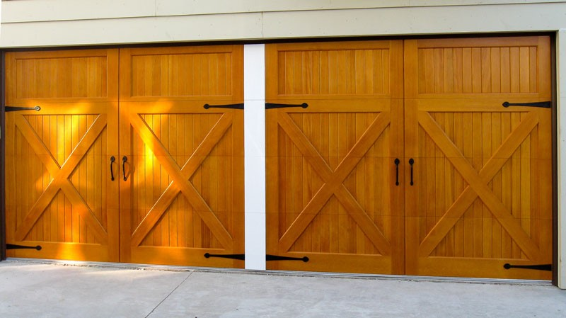 Model: 2490AP. 2 Segment, V-Groove Face, Douglas Fir, False Center Post, Decorative Hardware